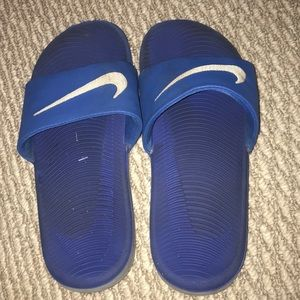 8e7467a00f9 Shoes - blue nike slides